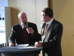 Prof. Dr. Hartmut Walz interviewt Prof. Dr. Hardy Wagner (li.)